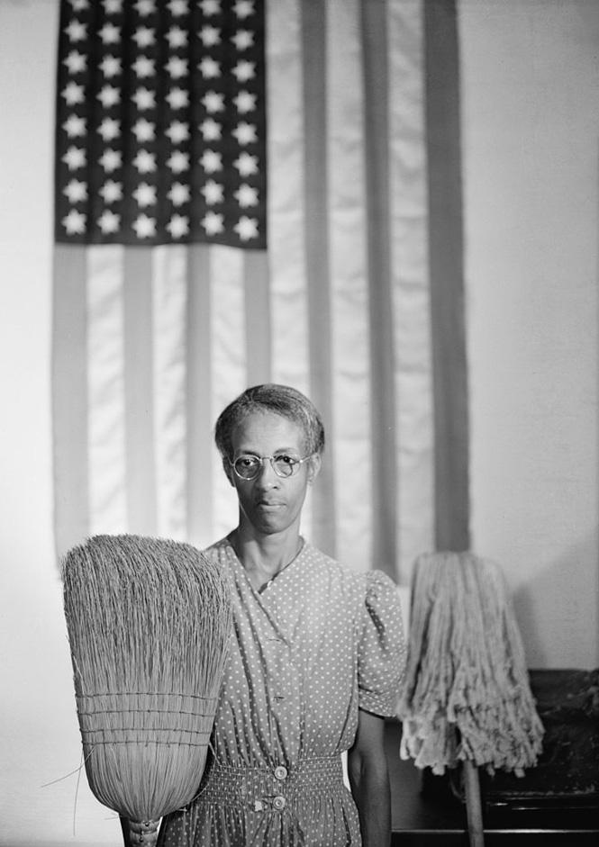 American Gothic 1942 (c) The Gordon Parks Foundation