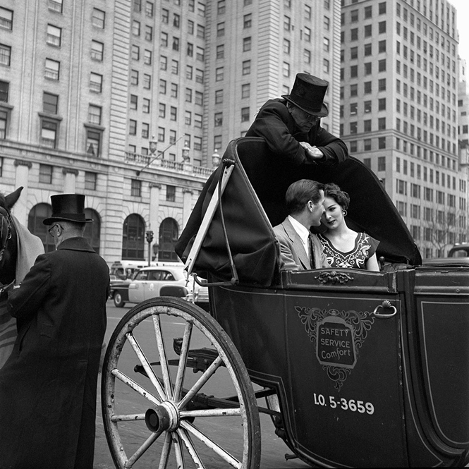 VivianMaier-1953-New-York-VM1953W00564-04-MC