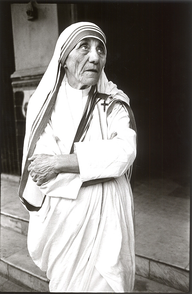 Mother Teresa at Shishu Bhawan Home for Children, Calcutta, India 1980 (c) Mary Ellen Mark